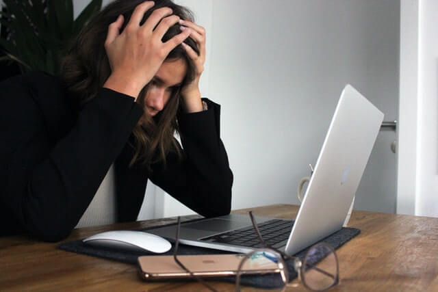 Workplace Anxiety and Stress – Successful Strategies to Deal with It