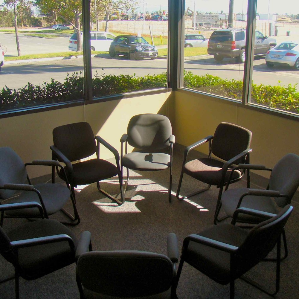 Long Beach Therapy Group Room