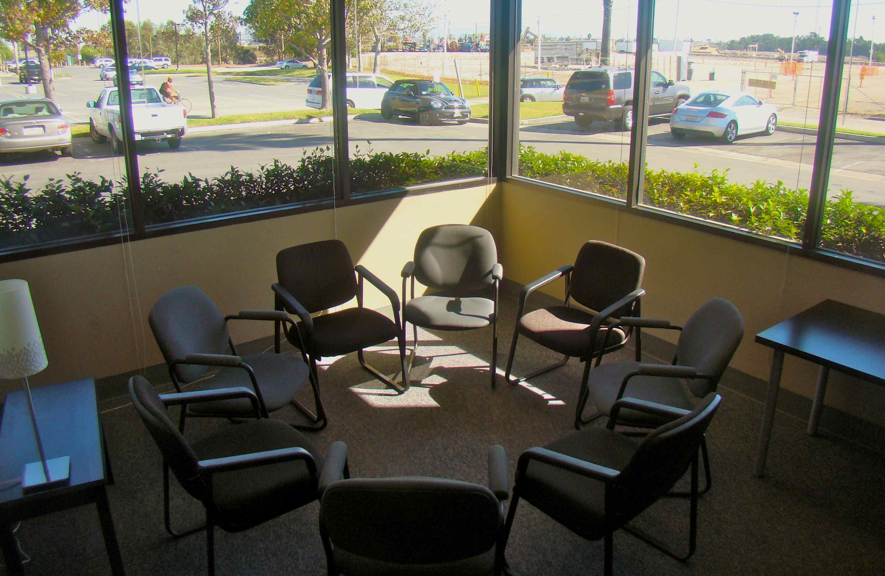Long Beach Group Therapy Room